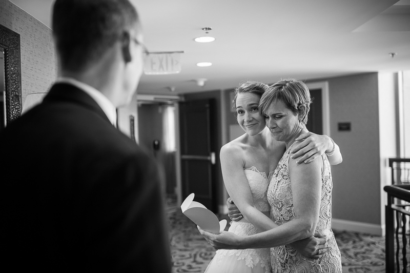 Bride exchanges gifts to parents in an emotional moment